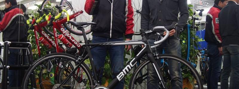 「スタッフバイク紹介」 BMC  teammachine SLR01
